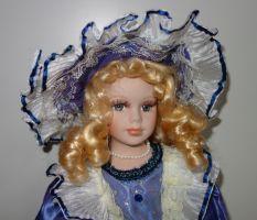 Porcelánová panenka -Princezna Jasmína - 42 cm (043189)
