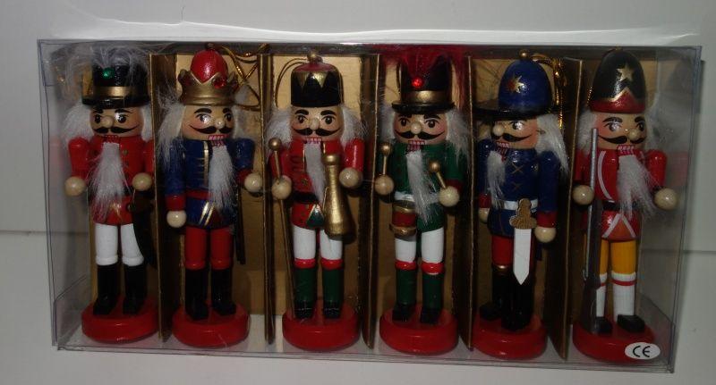 Dřevěné figurky 13 cm 6 kusů (098111)
