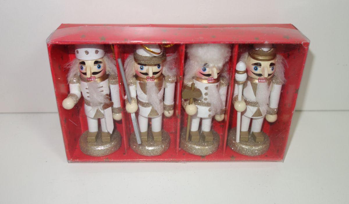 Dřevěné figurky balení 4 ks (098121)