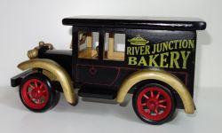 Dřevěné, historické auto - odklápěcí střecha (0990083)