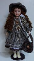 Porcelánová panenka Beatrice 63 cm