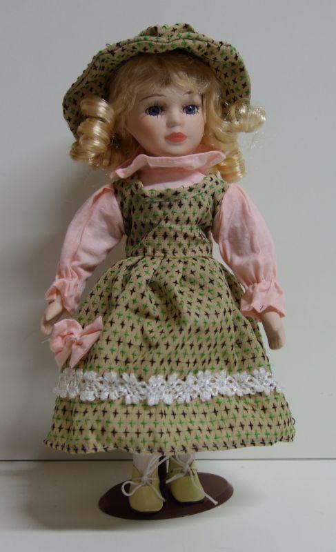 Porcelánová panenka Jasmína - 32 cm (032224)