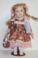 Porcelánová panenka Jasmína - 32 cm (032242)