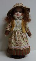 Porcelánová panenka Klárka - 32 cm