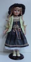 Porcelánová panenka Laura  63 cm