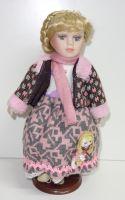 Porcelánová panenka Magda - 32 cm