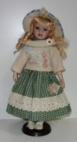 Porcelánová panenka Mája- 42 cm (042691)