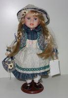 Porcelánová panenka Marta- 32 cm