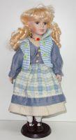 Porcelánová panenka Monika - 42 cm (042703)