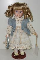 Porcelánová panenka 32 cm
