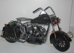 Historická motorka 38 cm velká