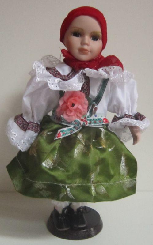 Porcelánová panenka v kroji - 32 cm (420006)