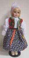 Porcelánová panenka v kroji - 42 cm (420009)