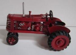 Historický traktor 16 cm