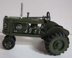 Plechový historický traktor v zelené barvě (099059)