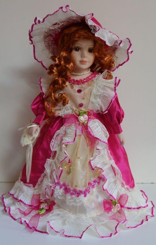Porcelánová panenka Ella - 42 cm (043141)