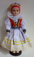 Porcelánová panenka v kroji - 42 cm (420011)
