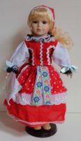 Porcelánová panenka v kroji - 42 cm  (420012)