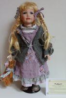 Porcelánová panenka Alice s certifikátem - 50 - 53 cm otáčecí hlava