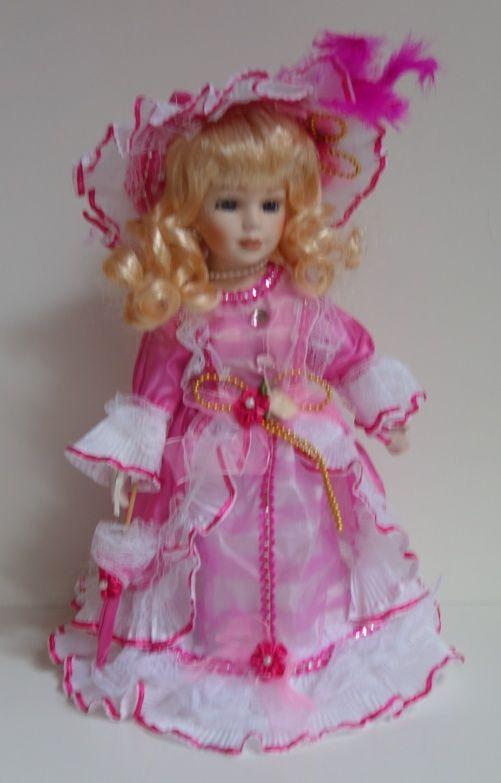 Porcelánová panenka Ela - 31 cm (032093)