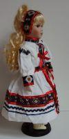 Porcelánová panenka v kroji - 42 cm (420014)