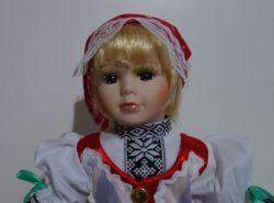 Porcelánová panenka v kroji - 42 cm (420016)