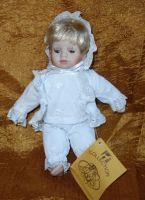 Porcelánová panenka  21cm