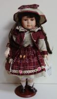 Porcelánová panenka Nina - 43 cm