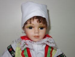 Porcelánová panenka v kroji - 42 cm (420021)