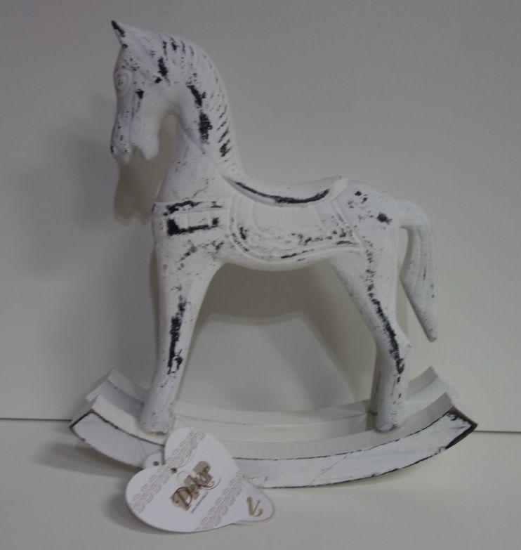 Dřevěný koník v bílé patině (044028)